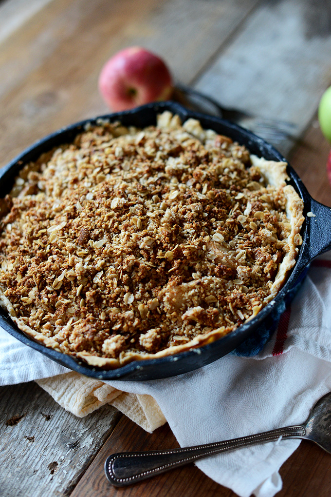 Deep Dish Apple Crumble Pie