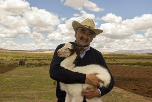 Bringing relief to drought-affected animals in Bolivia