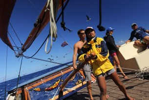 Polynesian Voyaging Society visits Australian coast looking for ghost gear